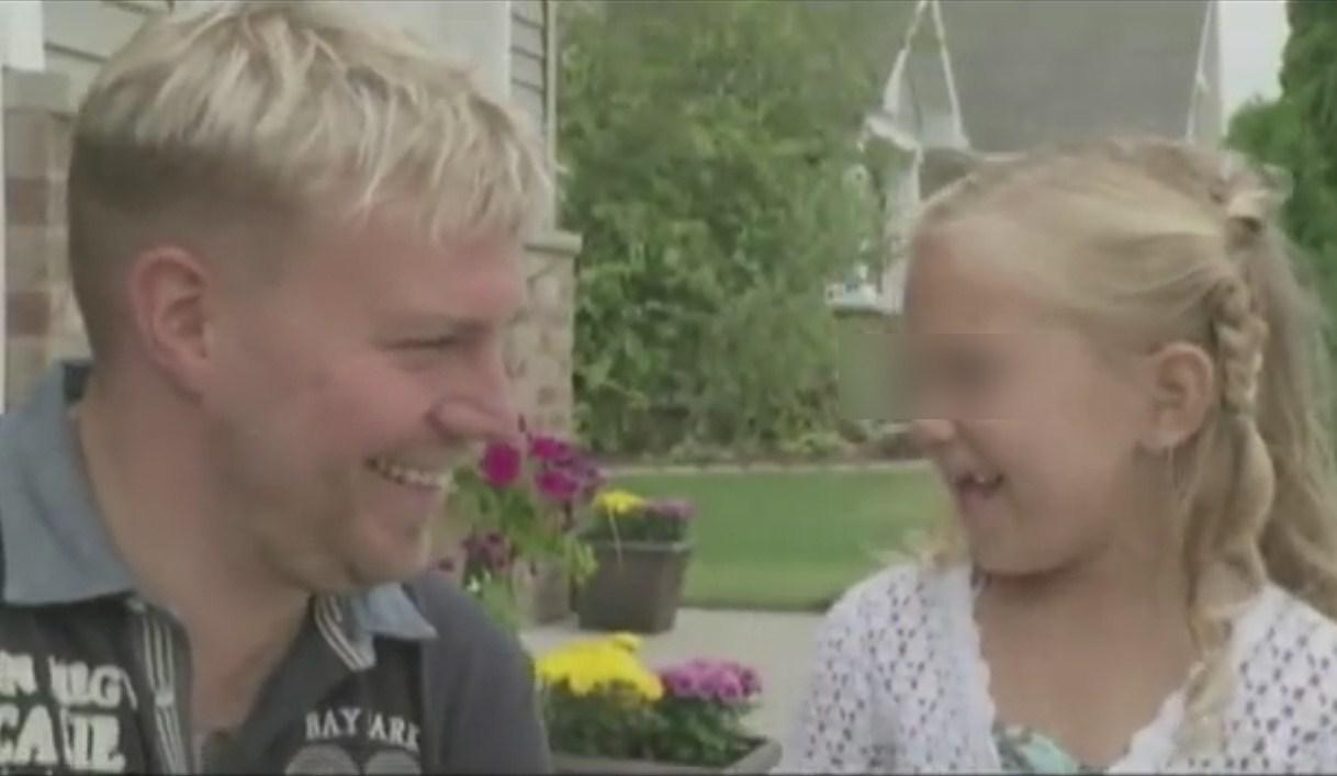 Il commovente incontro tra una bambina malata e l'uomo che le ha salvato la vita