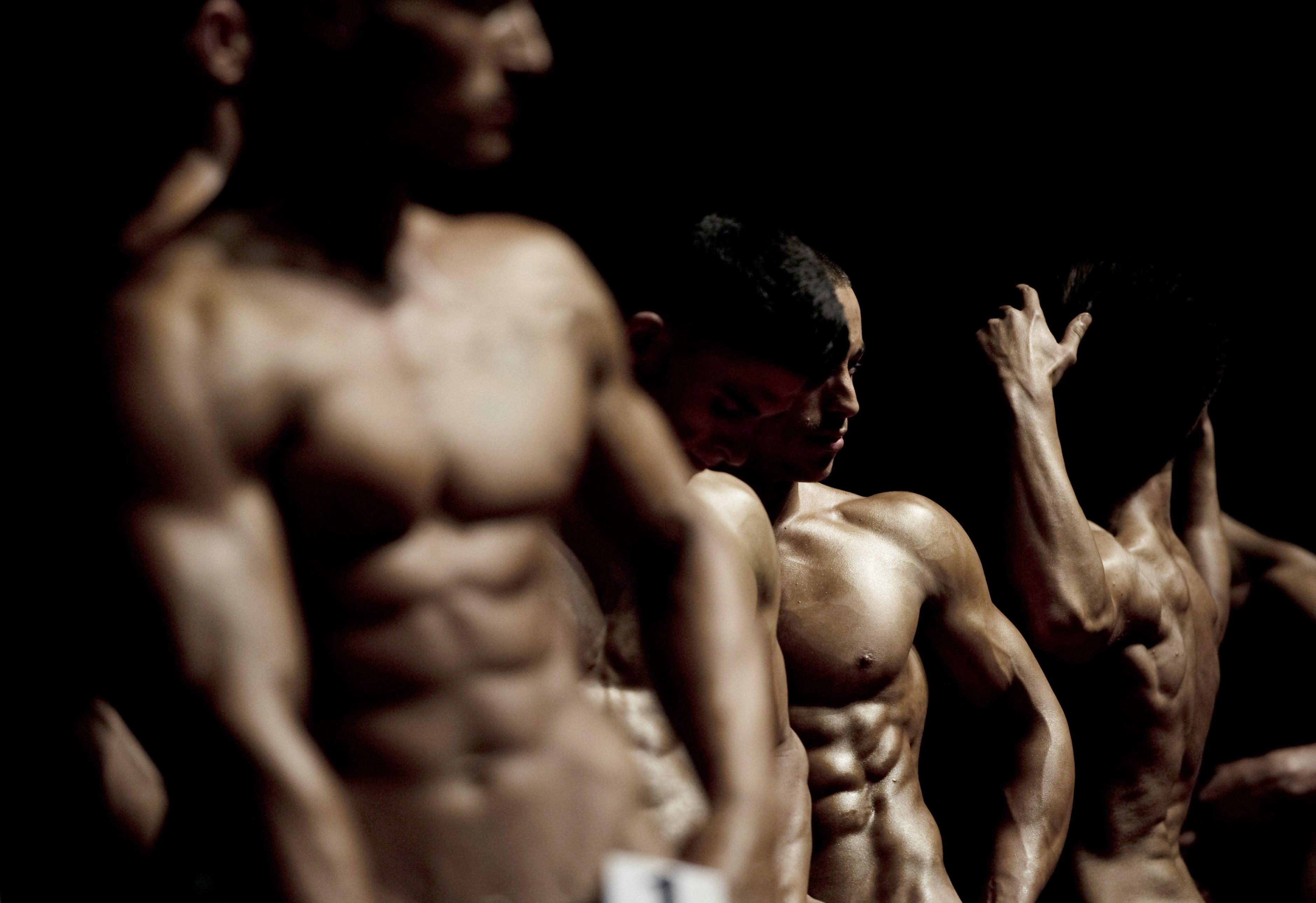 Soldi e muscoli non servono per conquistare una donna