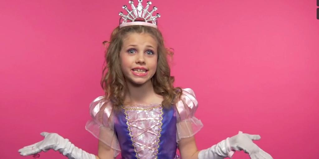 Piccole principesse urlano parolacce contro il sessismo (VIDEO)