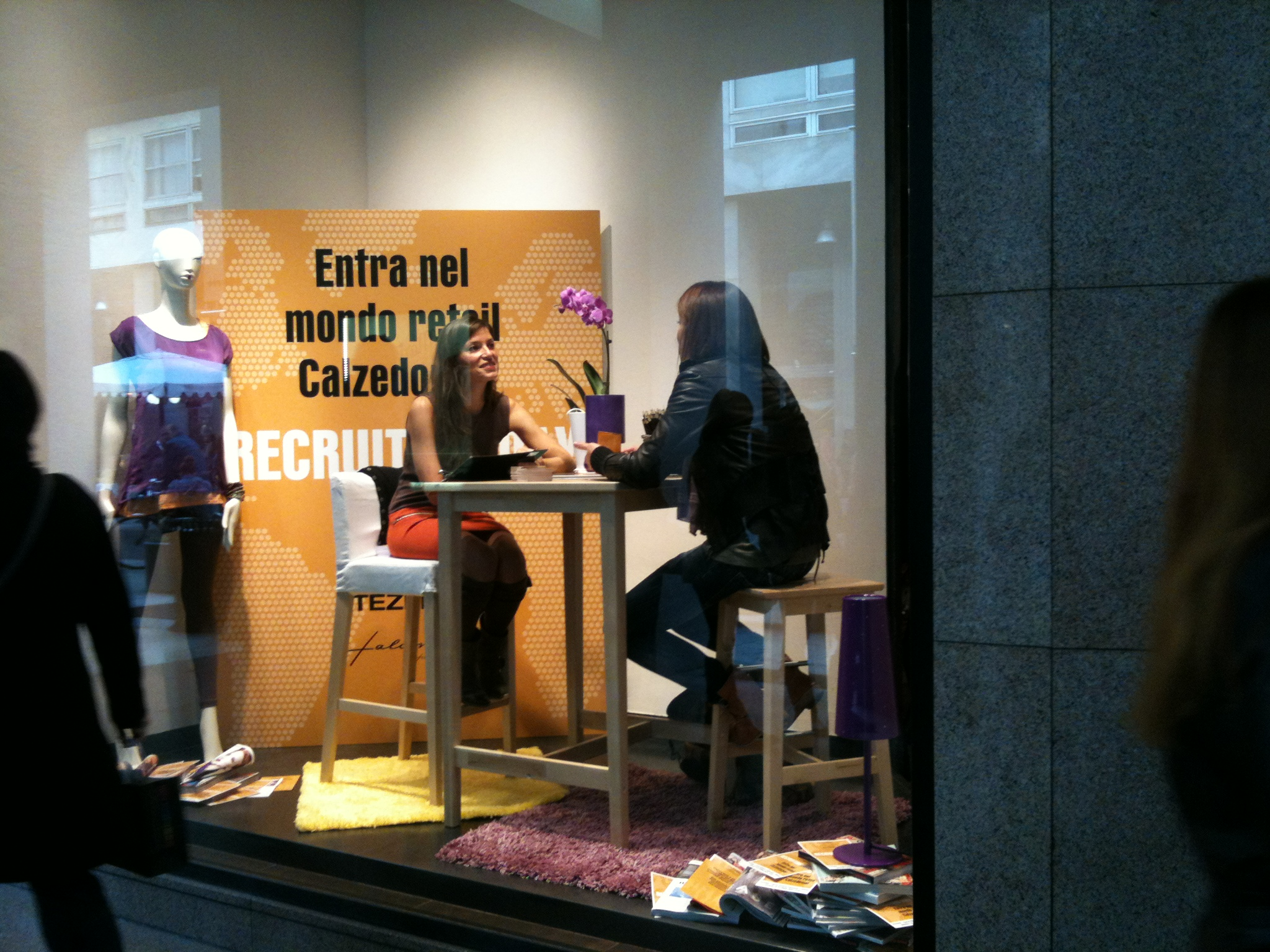 Colloqui in vetrina a Milano: un modo alternativo per trovare lavoro