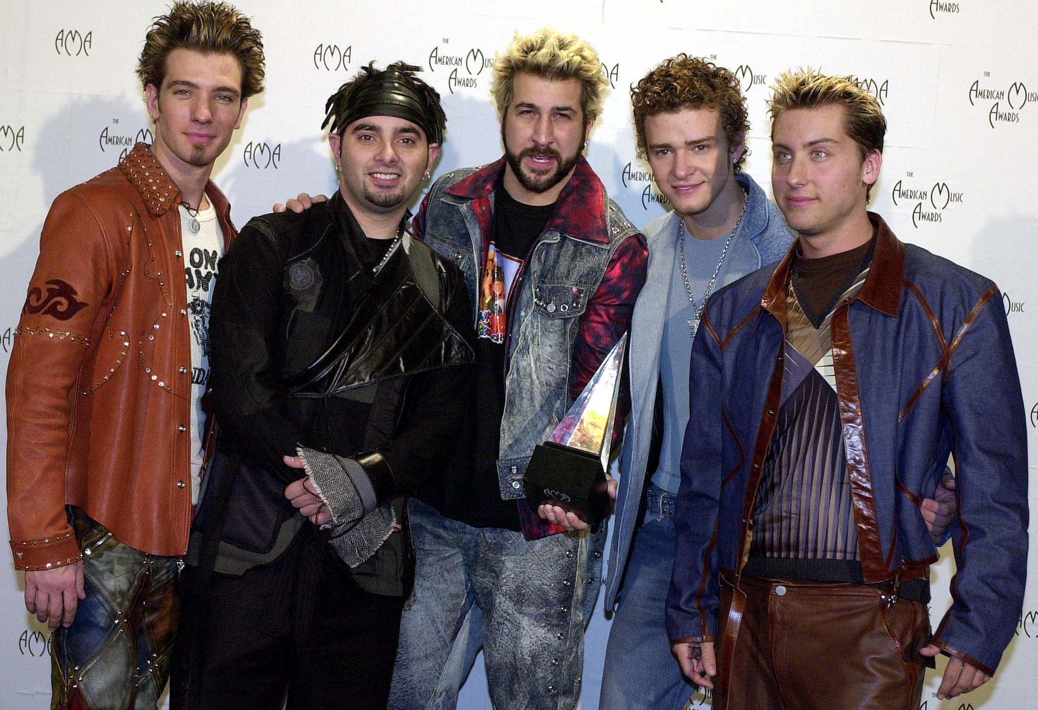 Le 5 boyband che hanno fatto impazzire le ragazzine negli anni '90 (FOTO)