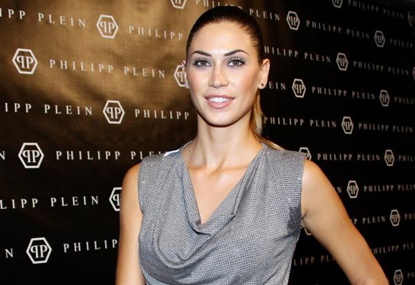 http://hollywoodbollywoodactress-fashion.blogspot.com/2012/06/melissa-satta-picture-2012.html