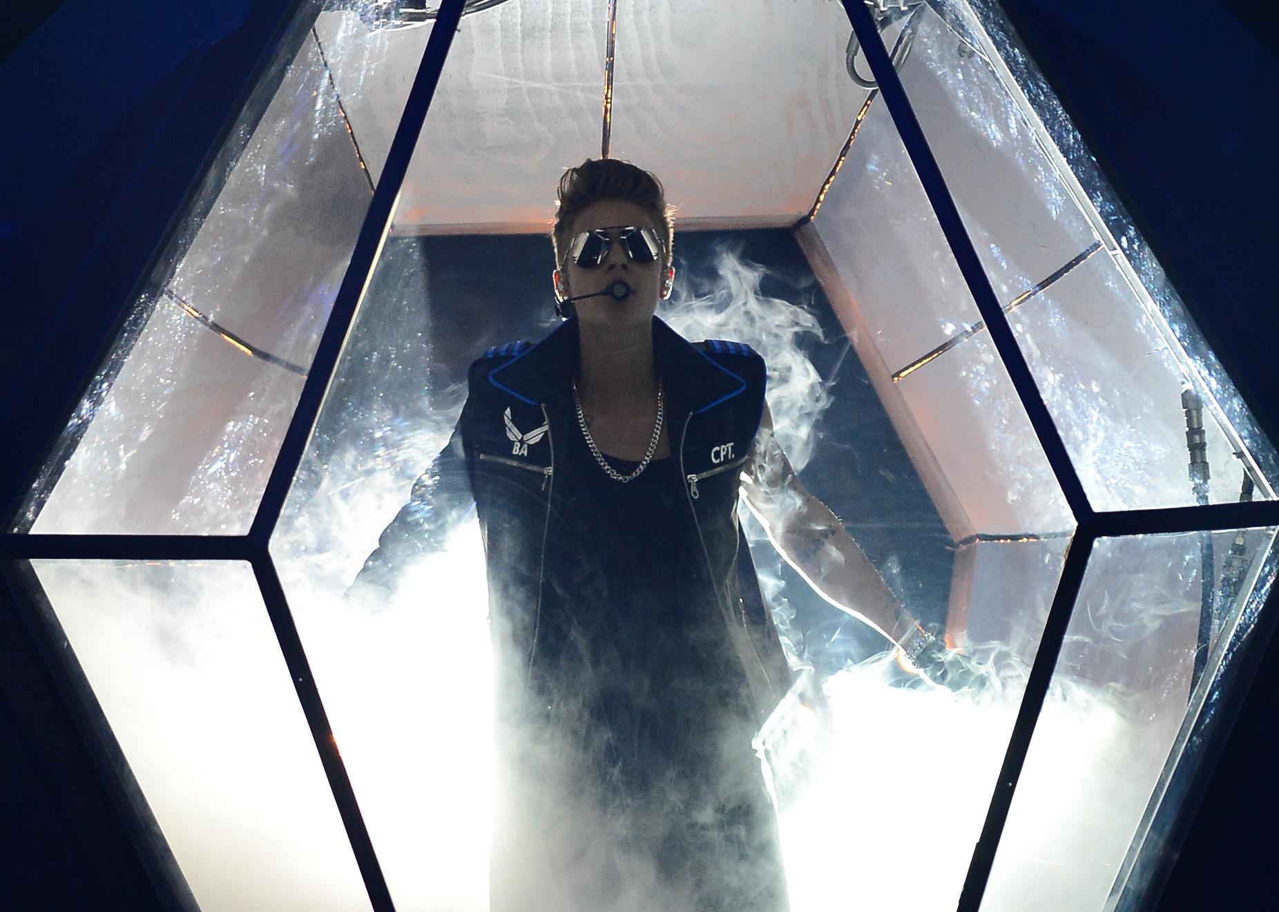 Anche Justin Bieber andrà nello spazio con Di Caprio e Ashton Kutcher