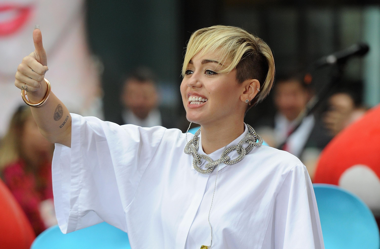 Miley Cyrus dice stop al twerking e alle movenze sexy
