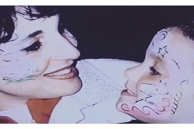 Ariana Grande da bimba con la mamma per il #TBT (FOTO)