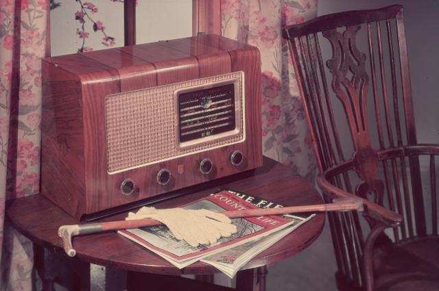 90 anni di Radio: auguri al mezzo che ha cresciuto gli italiani