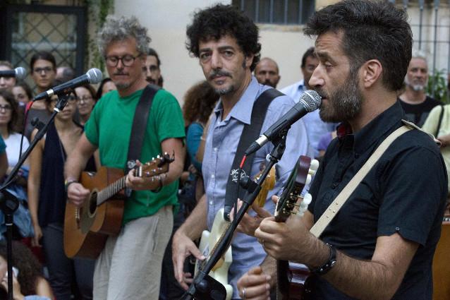 """Fabi, Silvestri e Gazzè presentano il video di """"Come mi pare"""". E tornano in tour"""