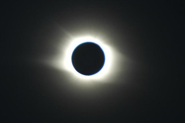 L'eclissi totale che oscurerà l'Australia