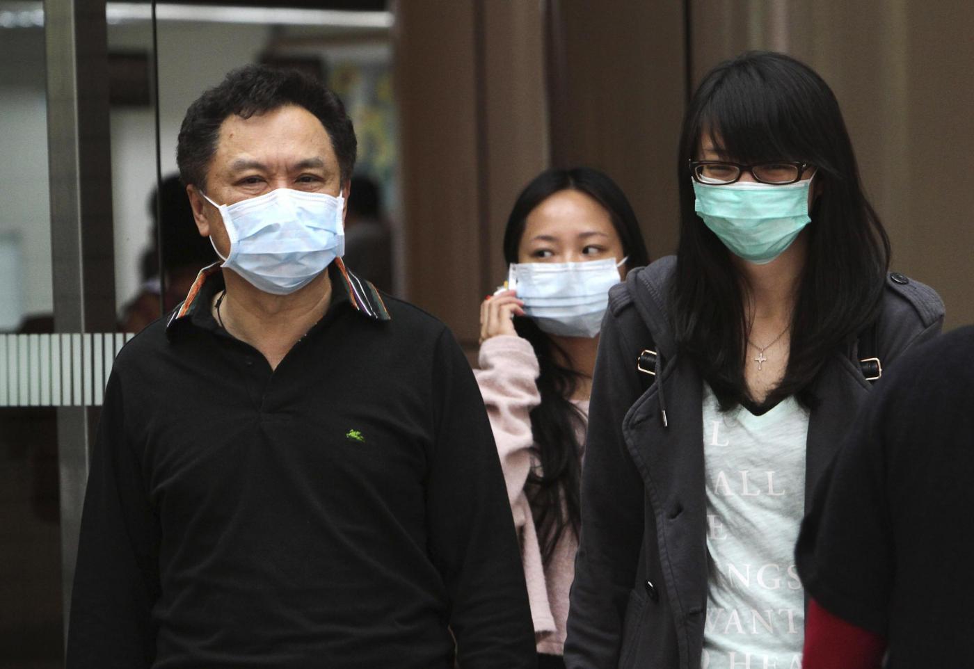 """L'allarme dell'esperto: """"L'H7N9 potrebbe mutare e trasmettersi da uomo a uomo"""""""
