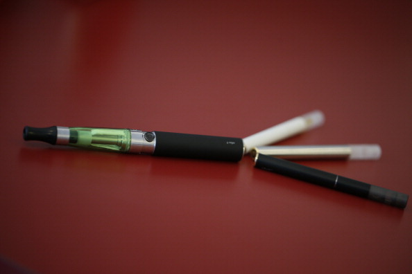 Lo studio che difende le sigarette elettroniche