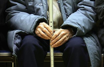 Contro l'invecchiamento, verme ringiovanito con estratto di noci