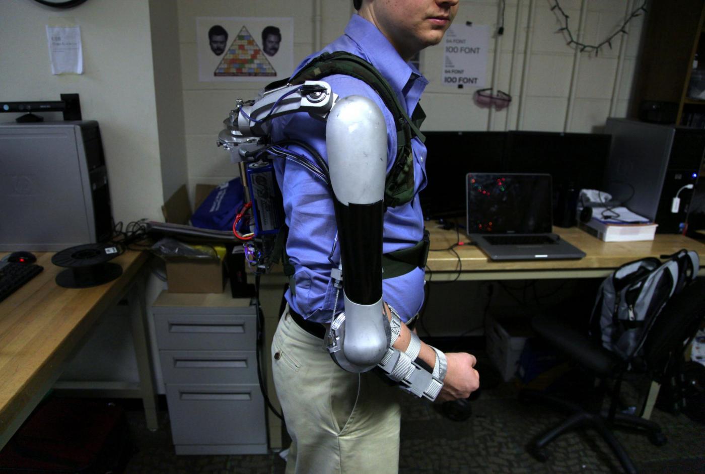Il robot indossabile che ti fa sembrare un supereroe (FOTO)