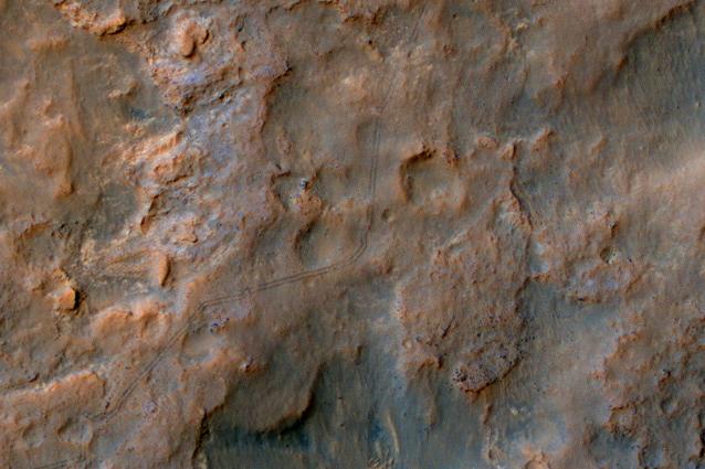 I segni lasciati da Curiosity sulla superficie di Marte