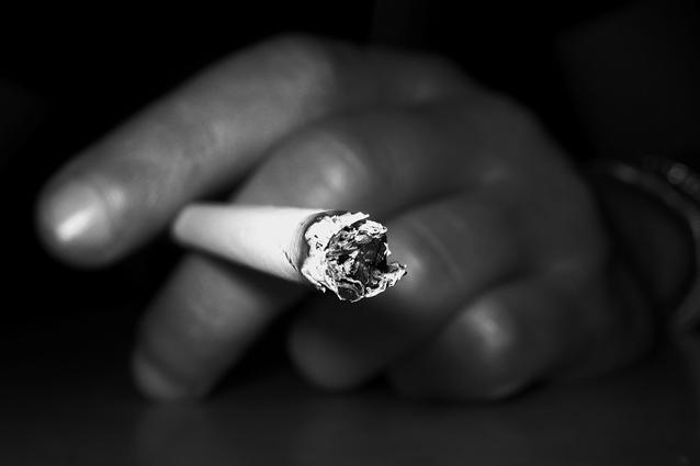 Il modo migliore per ridurre il numero di fumatori è aumentare le tasse