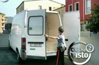 il furgone bianco con il quale è avvenuta l'aggressione a Montrucchio