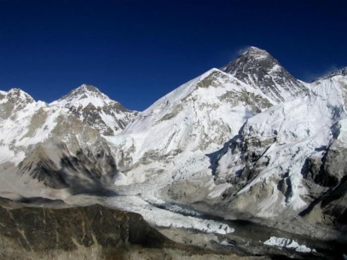 Clima: anche i ghiacciai dell'Everest sarebbero a rischio