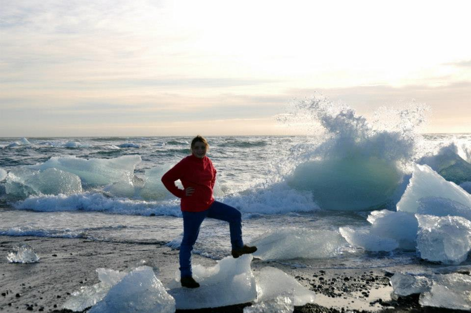 Visitare Jokursarlon iceberg nella laguna più bella d'Islanda spiaggia nera