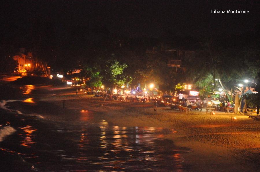 sri lanka unawatuna beach