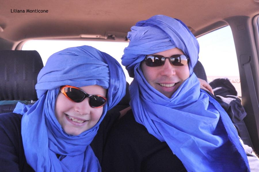 marocco deserto del sahara guidare sulle dune di sabbia