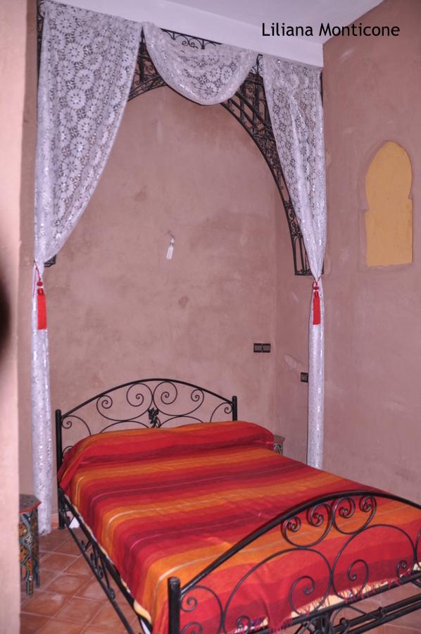 dormire alle porte del deserto del sahara