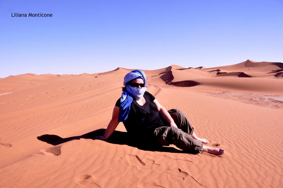 marocco deserto del sahara accampamento tendato tramonto sulle dune