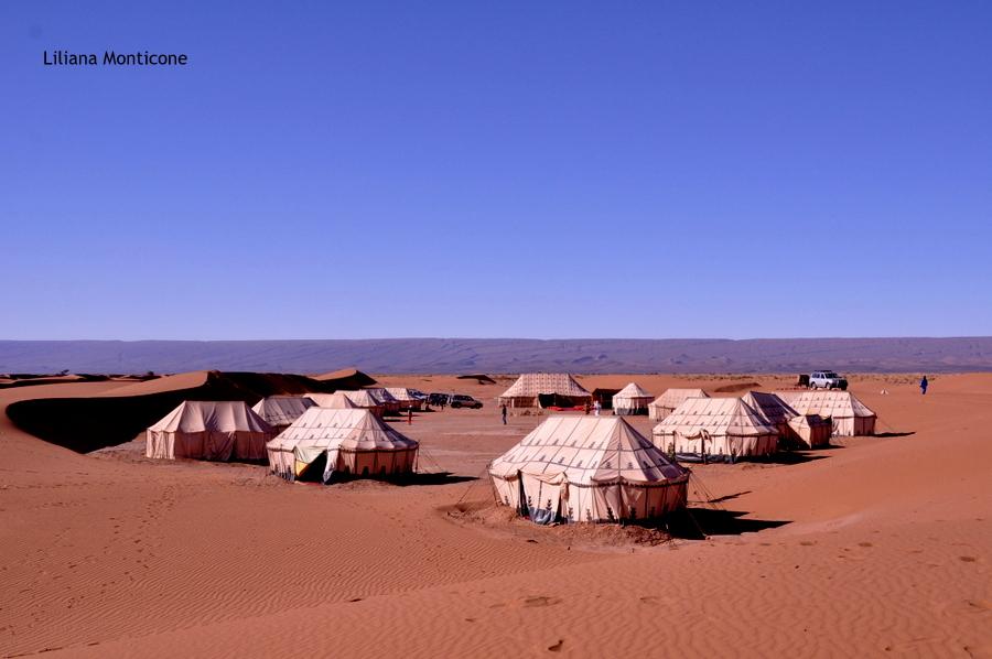 marocco deserto del sahara accampamento tendato