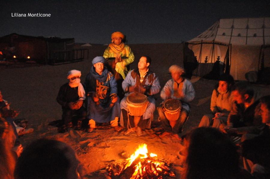 marocco deserto del sahara accampamento tendato notte