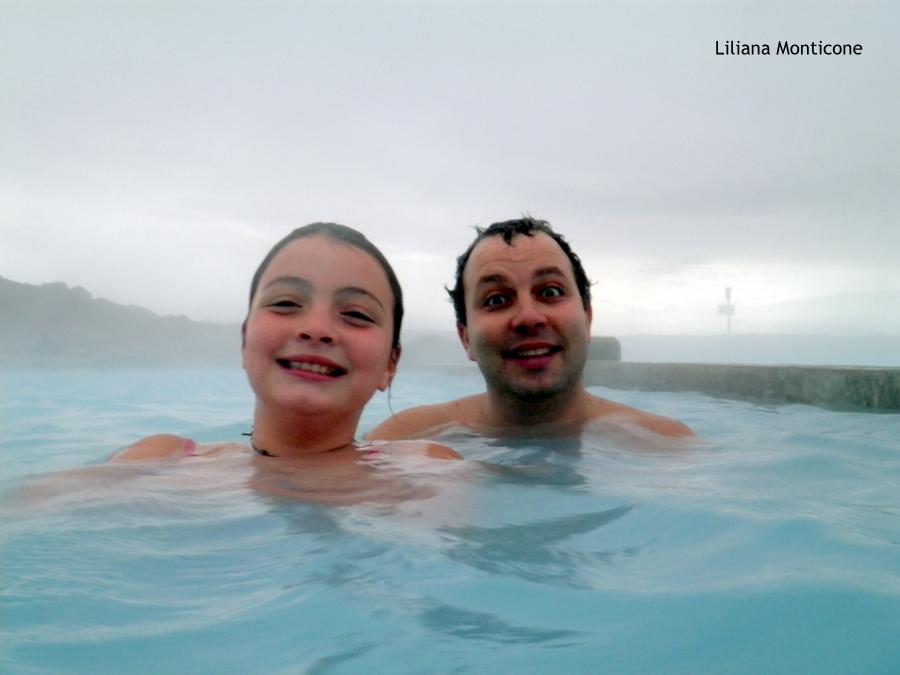Laguna Blu del Nord in Islanda Myvatn ammirare l'aurora boreale