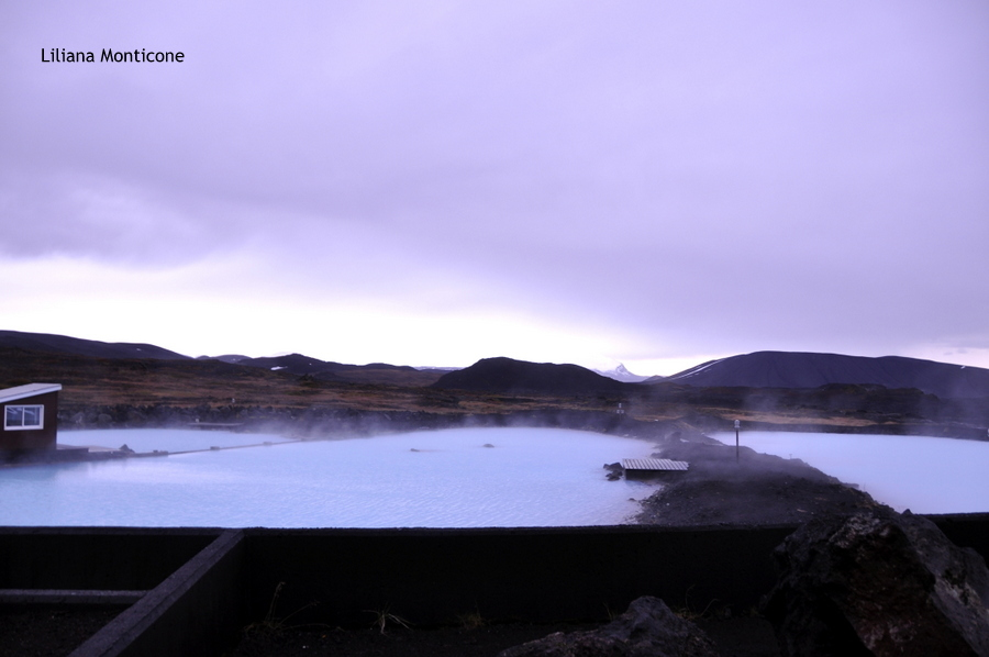 Laguna Blu del Nord in Islanda Myvatn relax diatonite e lava nera
