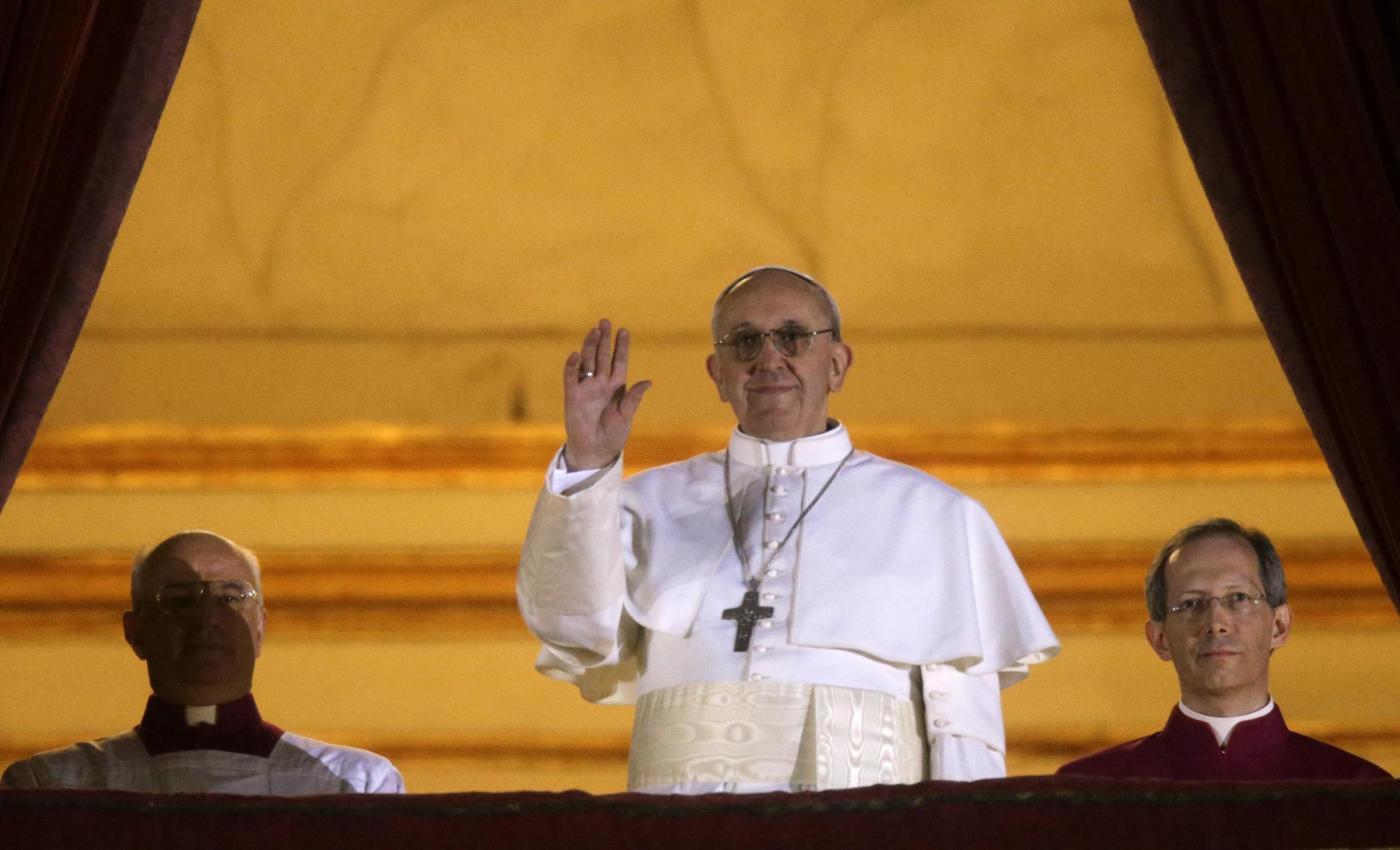 """Twitter, primo """"cinguettio"""" di @pontifex per il nuovo Papa Francesco"""
