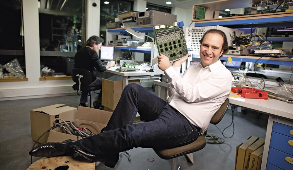 """Lo """"Steve Jobs francese"""" apre una scuola gratuita per sviluppatori"""