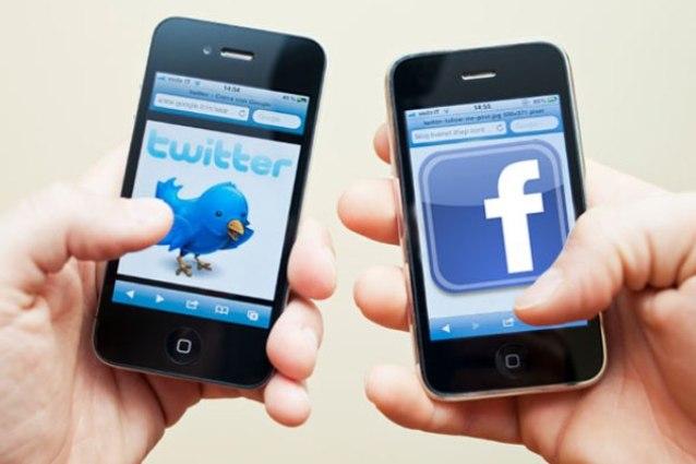 Il Codacons attacca Facebook e Twitter: troppi insulti