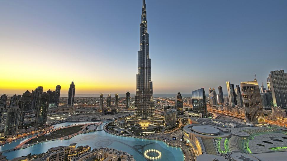 Street View, Google permette di visitare il Burj Khalifa di Dubai [VIDEO]