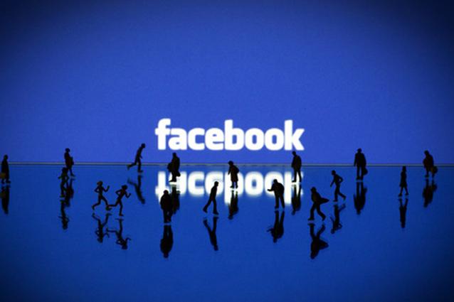 Facebook introduce i commenti fotografici anche per le Pagine