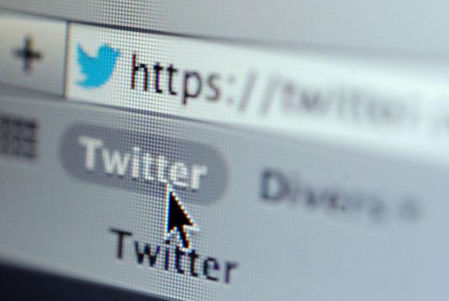 Twitter attiva la ricerca universale