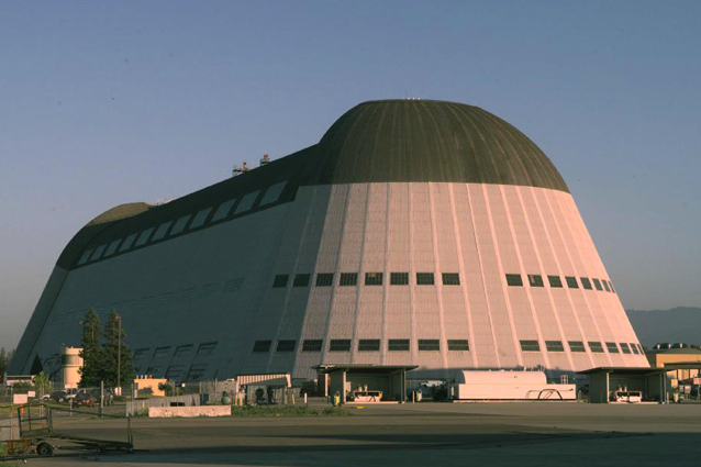 Google interessata all'Hangar One della NASA