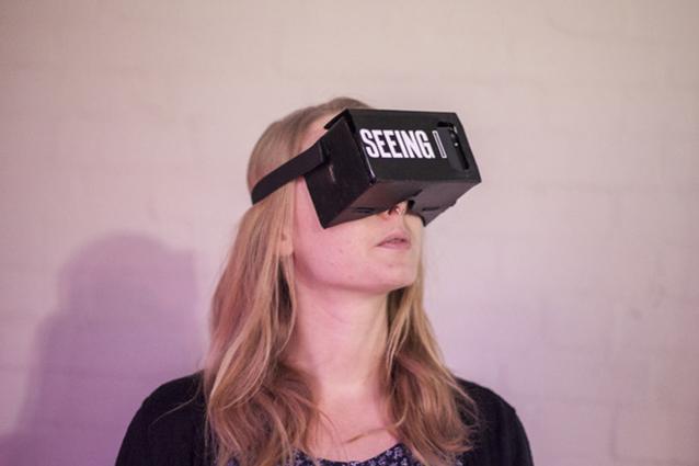 Vivrà 28 giorni nella realtà virtuale, il progetto di un artista inglese [VIDEO]