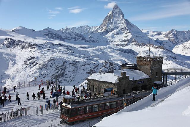 Natale a zermatt all ombra del cervino le piste pi belle for Piscine zermatt