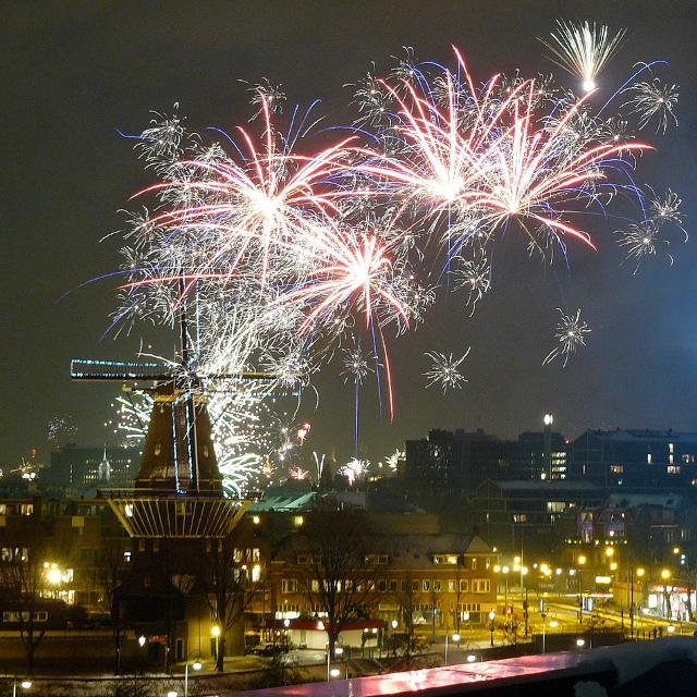 Capodanno ad amsterdam tra i party in strada e i locali for Ostelli economici ad amsterdam