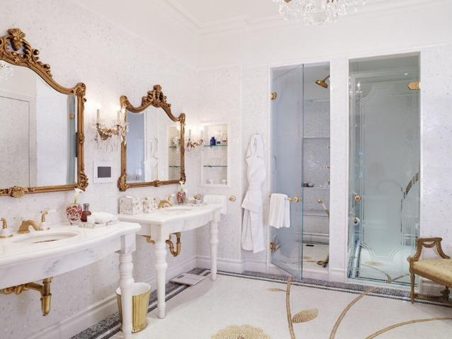 13 incredibili bagni d albergo super lussuosi foto for Suite bagno di lusso