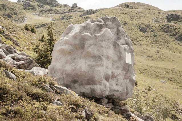 Svizzera, ecco il primo rifugio alpino che si mimetizza nel paesaggio