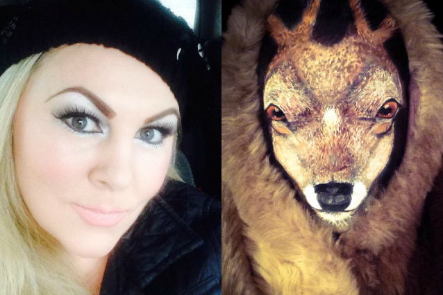 Si trasforma in una renna per Natale utilizzando il make up (FOTO)