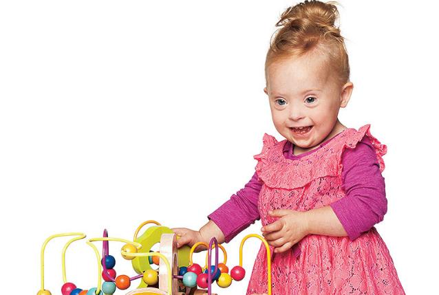Izzy, la baby modella con la Sindrome di Down (FOTO)