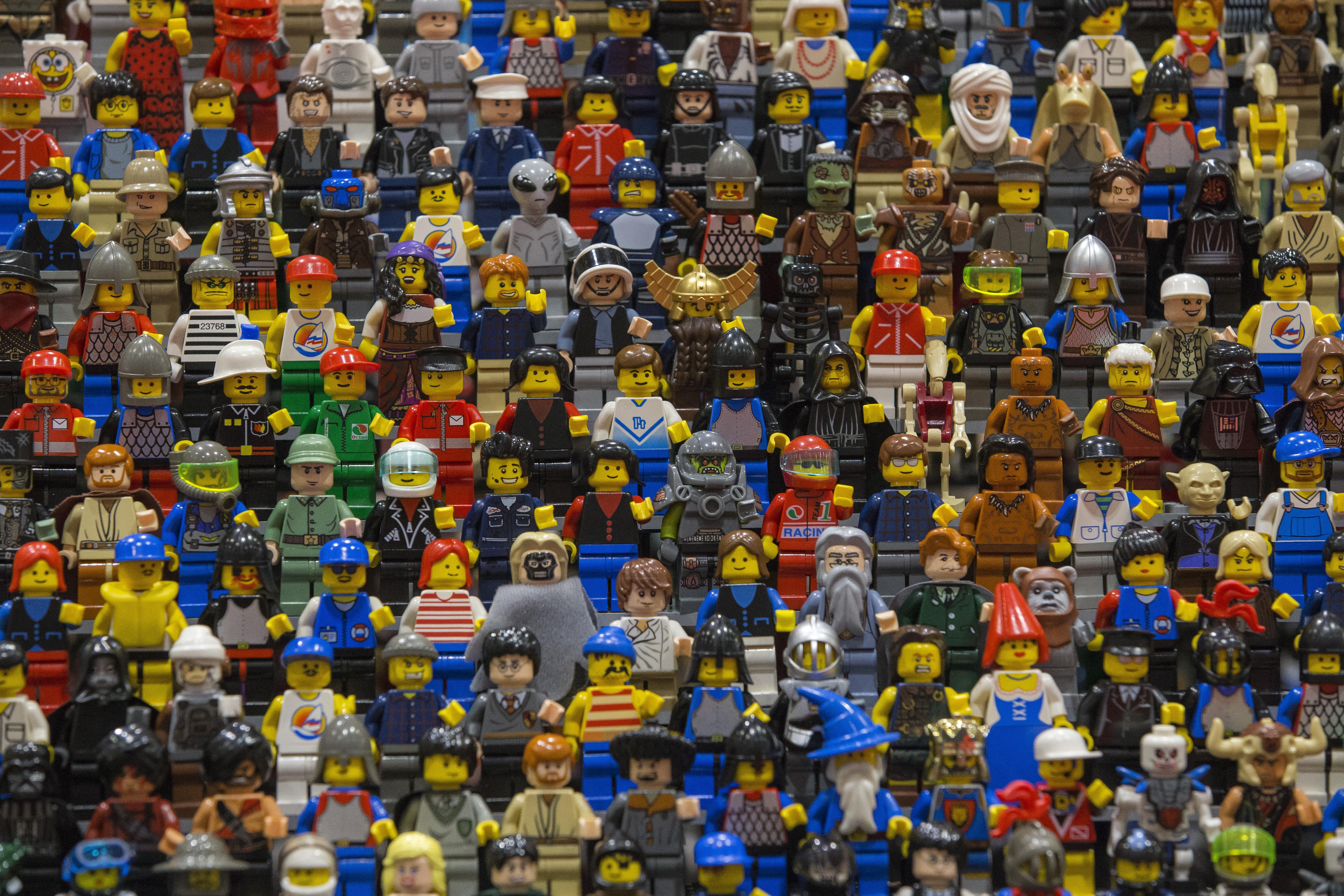 Realizza il castello di Harry Potter con i Lego: è la mamma più creativa al mondo