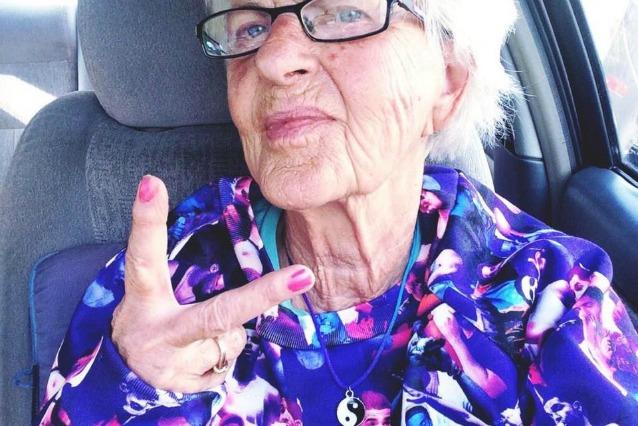 Baddie Winkle ha 86 anni ed è la bisnonna più irriverente e cattiva del web (FOTO)