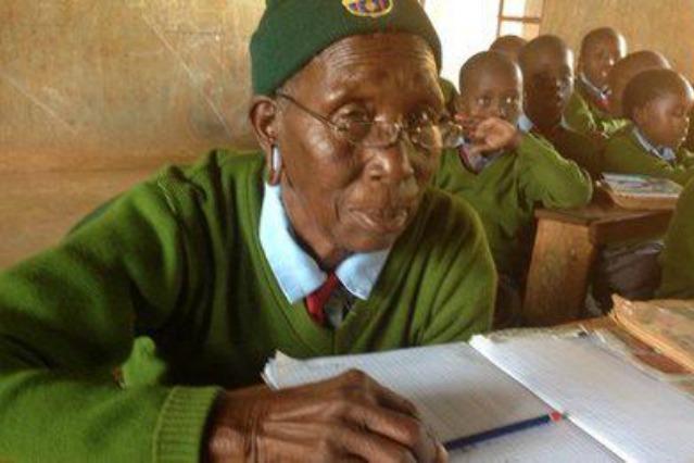 Priscilla ha 90 anni ed è la studentessa delle elementari più vecchia al mondo