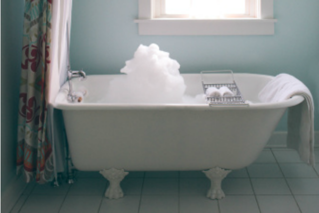 Entra nella vasca da bagno e il bambino inizia a muoversi - Riduttore vasca bagno bambino ...