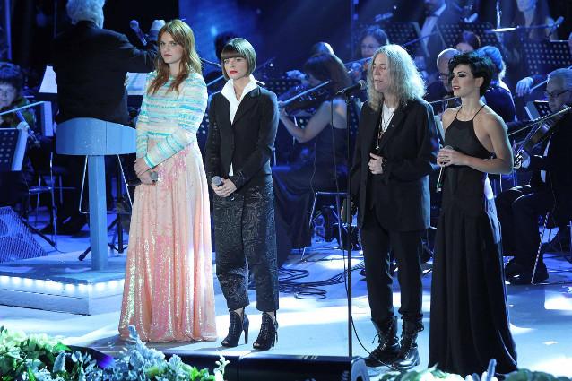 Alessandra Amoroso, Patti Smith e lo spettacolo del Concerto di Natale (FOTO)