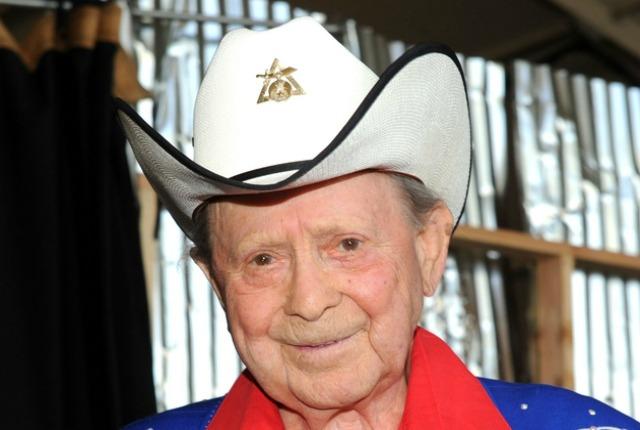 Morto Little Jimmy Dickens, volto storico della musica country