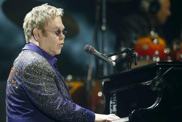 Elton John raddoppia: dopo Lucca annunciata una tappa a Roma